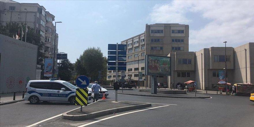 İstabul'da bazı yollar trafiğe kapatıldı