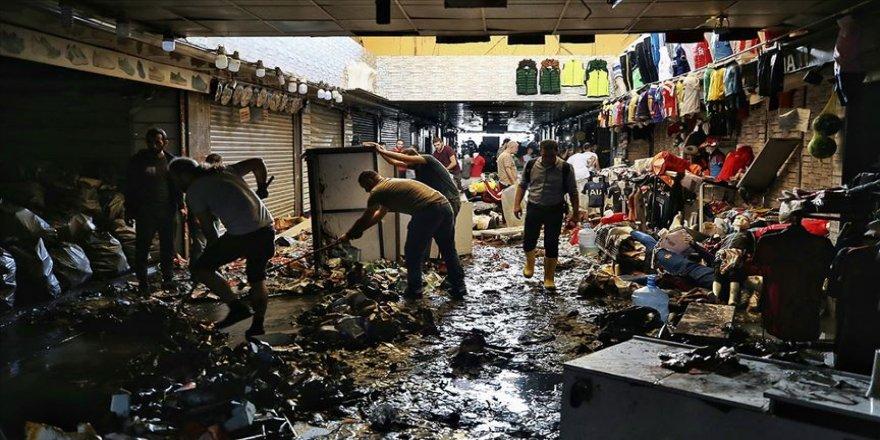 İstanbul'daki sağanağın ardından temizlik çalışmaları sürüyor