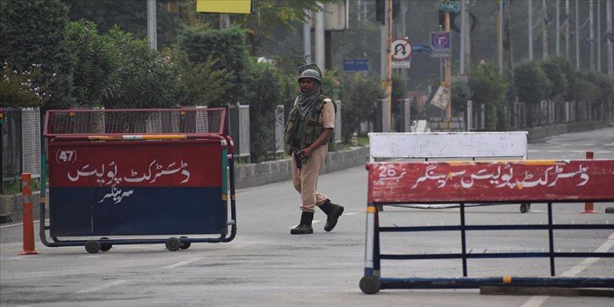 Hindistan, Cammu Keşmir'deki kısıtlamaları hafifletiyor