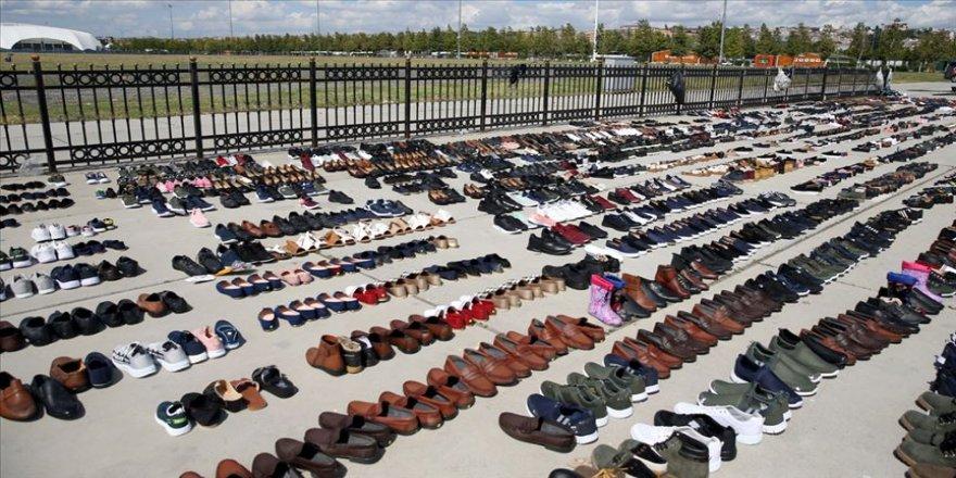 Selde ıslanan ayakkabılar Yenikapı'da kurutuluyor