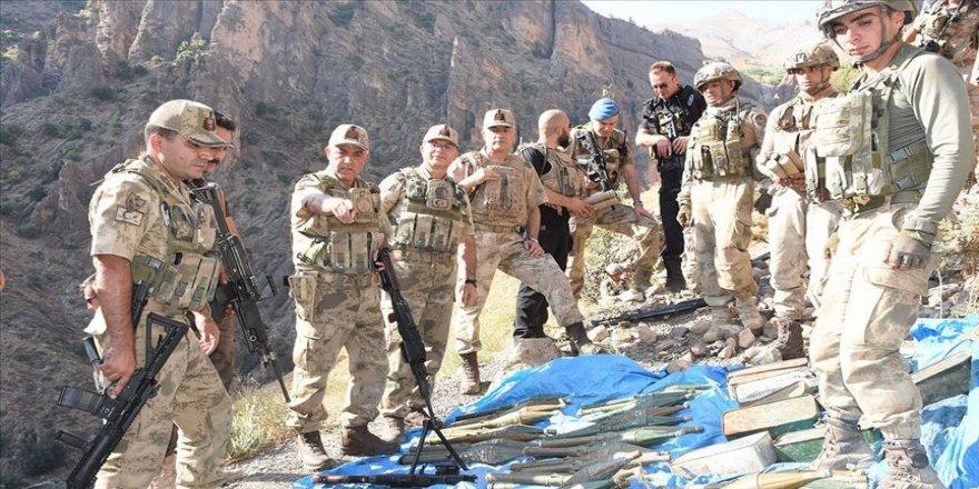 PKK'ya ait silah ve mühimmat deposu bulundu