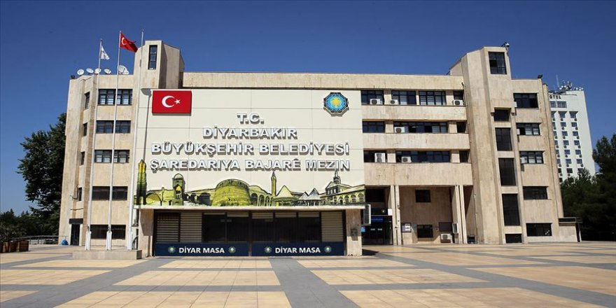 Diyarbakır Büyükşehir Belediyesinde 29 memur yeniden uzaklaştırıldı