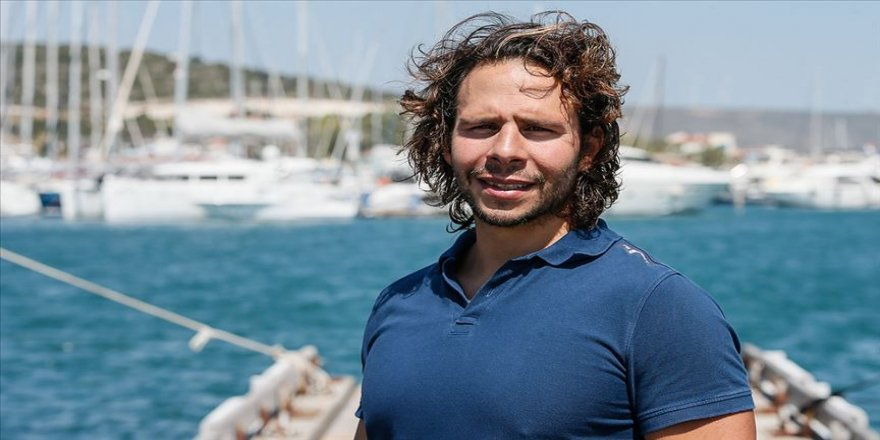 Türk yüzücü 'Denizin Everesti'ni aşmayı başardı