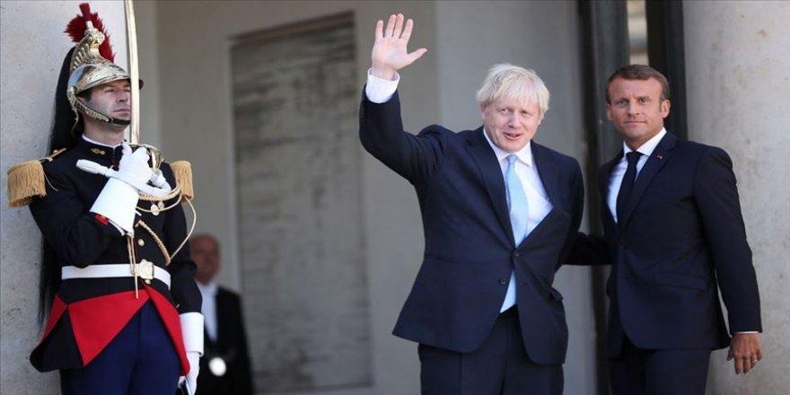 Macron, İngiltere Başbakanı Johnson ile görüştü