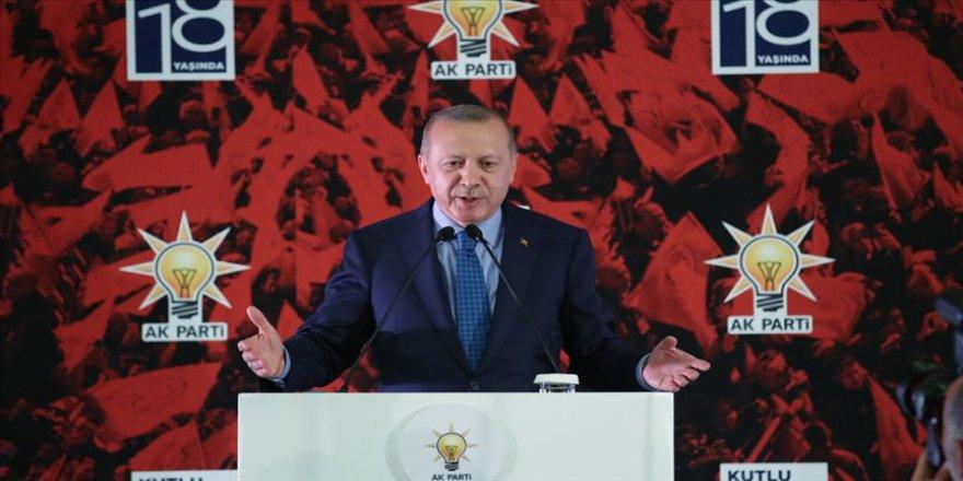 Erdoğan: Bu kutlu çatının altından ayrılanların hiçbirinin esamesi okunmamıştır