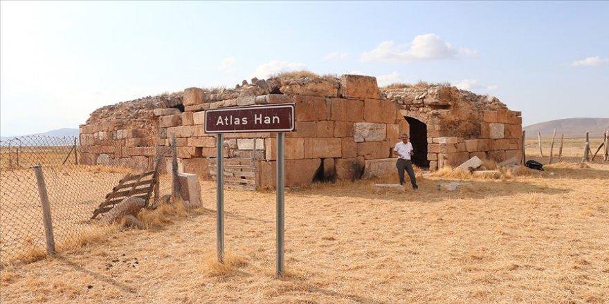Tarihi Atlas Han turizme kazandırılmayı bekliyor