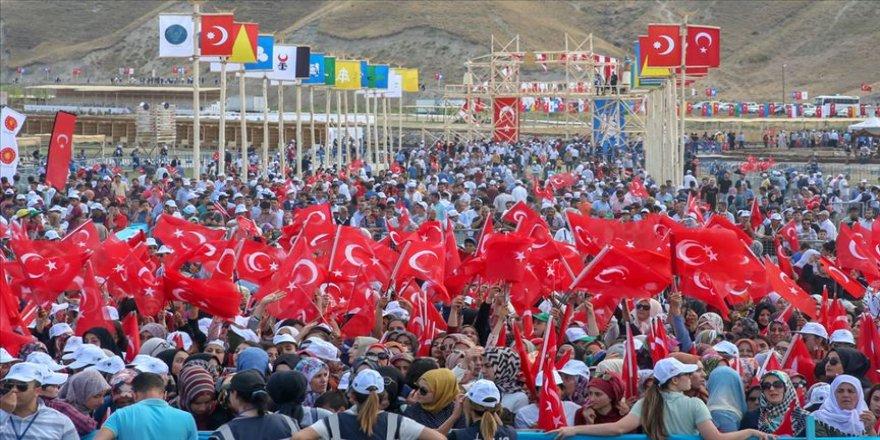 Malazgirt Zaferi kutlamalarına 100 bin kişi katıldı'