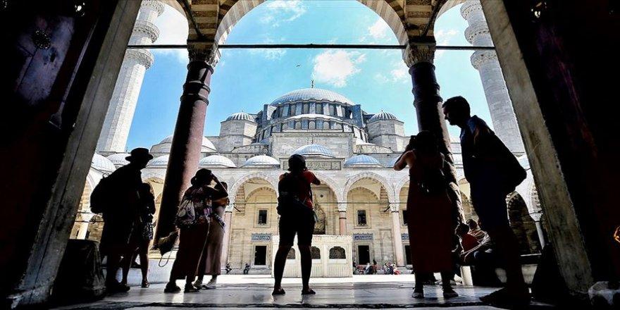 Türkiye'yi 7 ayda 24 milyonu aşkın yabancı ziyaret etti