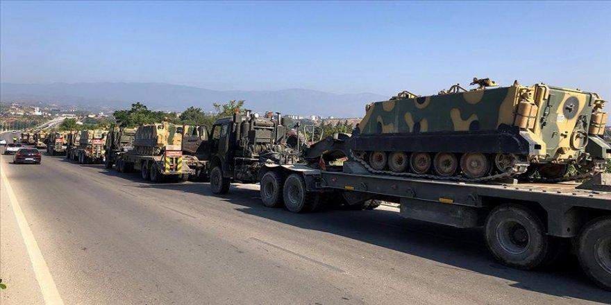 Suriye sınırına tank ve zırhlı araç sevkiyatı