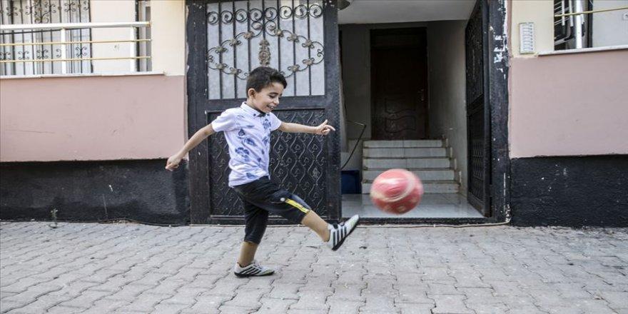 Protez bacaklarına Türkiye'de kavuştu