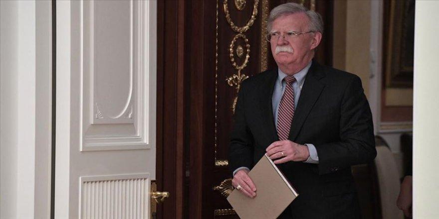 Bolton görevden alındı