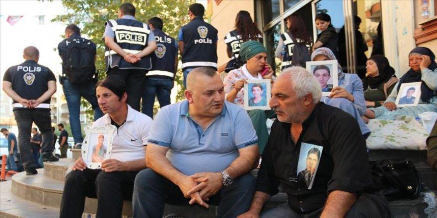 Diyarbakır annelerinin eylemine destek sürüyor