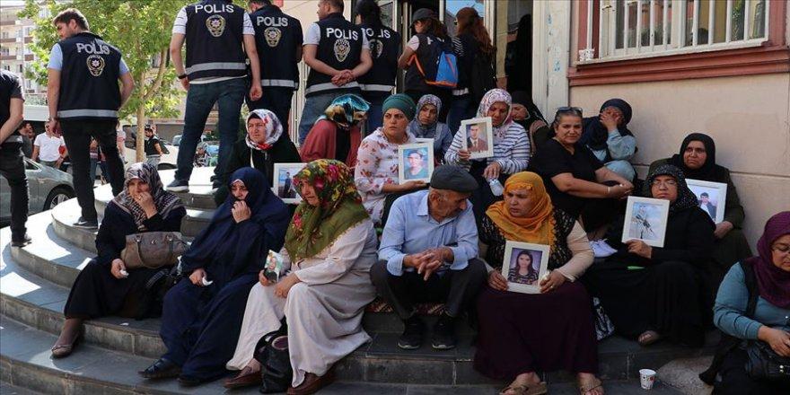 Diyarbakır annelerinin eylemine 3 aile daha katıldı