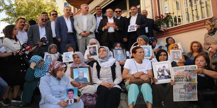 Kanaat önderlerinden Diyarbakır annelerine destek