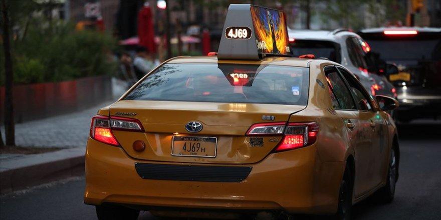 New York'un sarı araç plakalarını 65 cente çalışan mahkumlar yapıyor