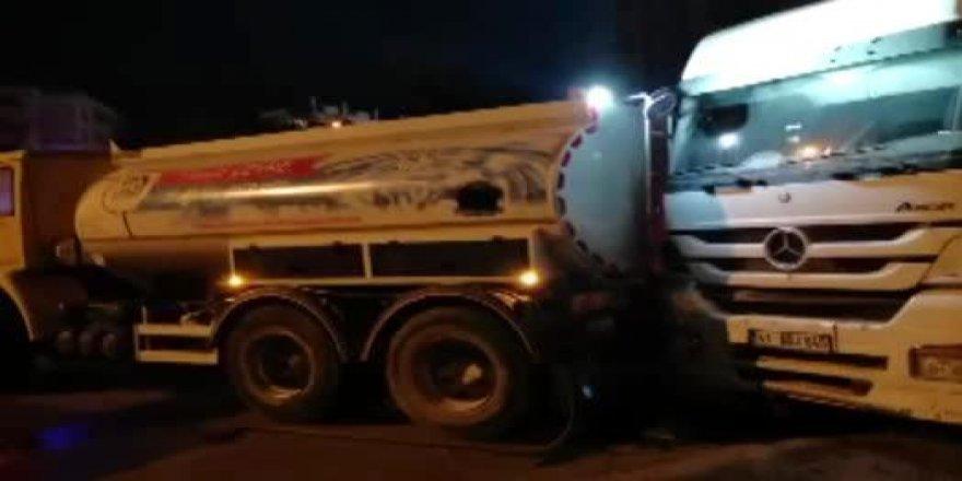 Freni patlayan su tankeri sürücü hayatını kaybetti