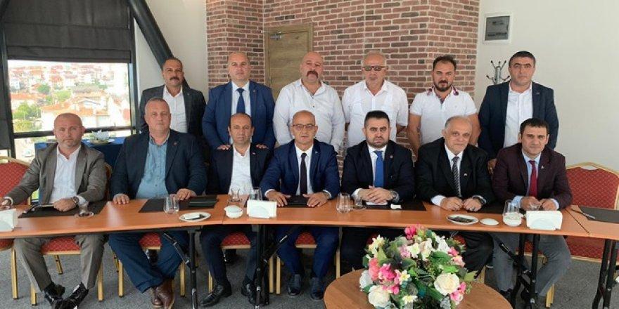 MHP'de ilçe başkanları buluştu
