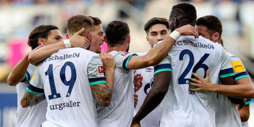 Schalke 04 deplasmanda 5 gol attı