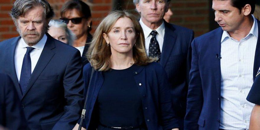 Felicity Huffman 14 gün hapis aldı