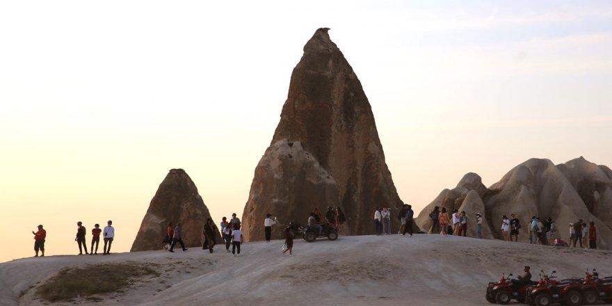 Kapadokya'nın güzellikleri yabancı turistleri cezbediyor