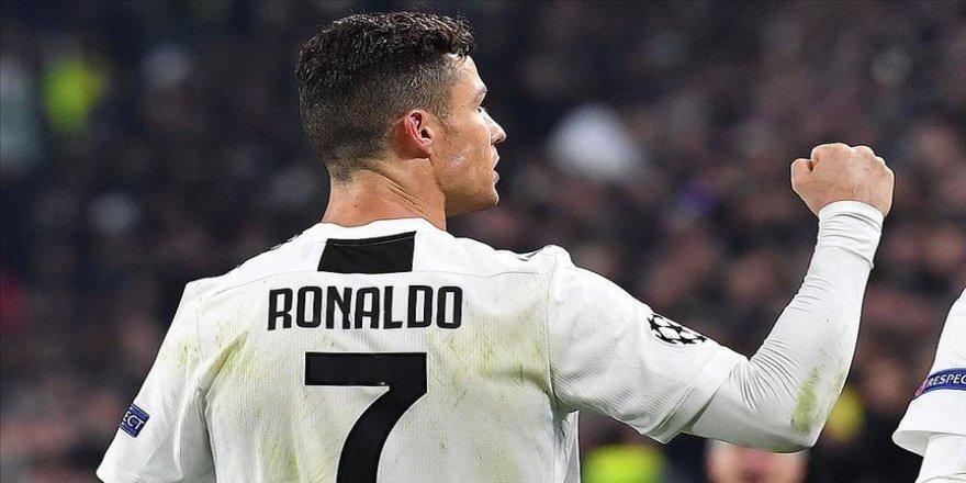 Ronaldo, babasından bahsederken gözyaşlarını tutamadı