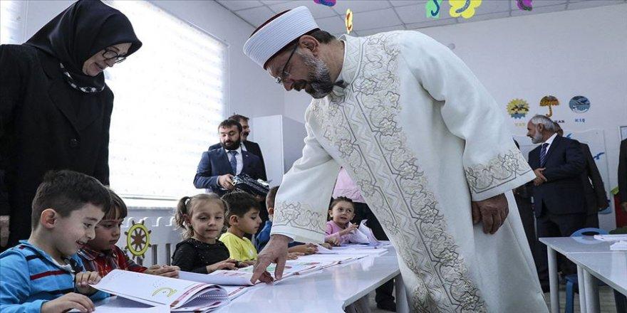 Diyanet İşleri Başkanı Erbaş: Çocukların eğitim alma hakkını engellemenin hiçbir mazereti olamaz