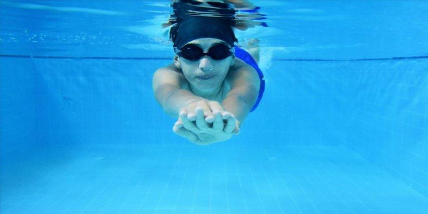 Sümeyye'nin başarısı paralimpik yüzücüleri cesaretlendirdi