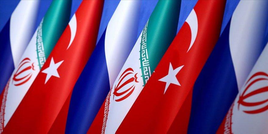 Suriye'nin yeni anayasasını yazacak komite için süreç işliyor