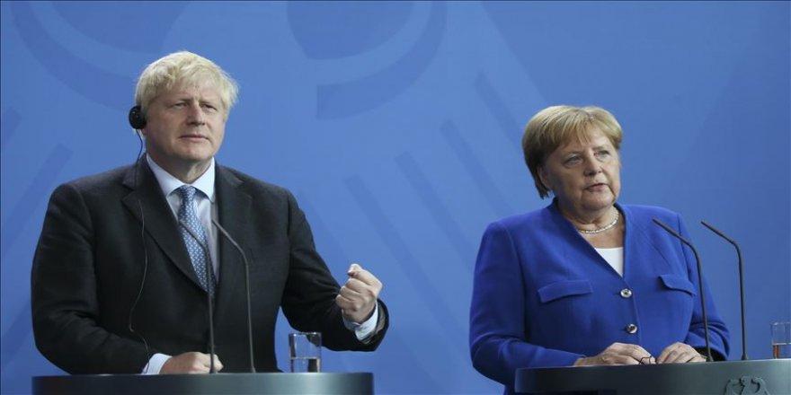 Johnson, Merkel ile görüştü