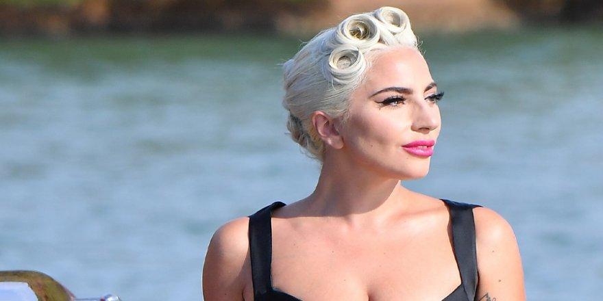 Lady Gaga: Kendime rağmen kendimi seviyorum