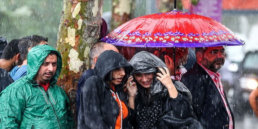 İstanbul'da yarın için sağanak uyarısı