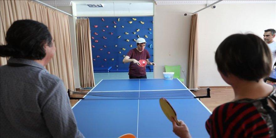 Otizmli Çınar 'hayatın dengesini' sporla buldu