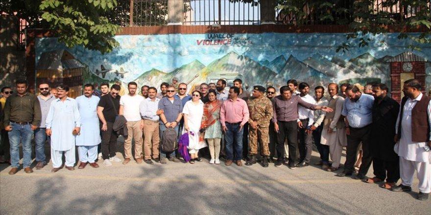 Türk medya heyeti Azad Cammu ve Keşmir'de meslektaşlarıyla buluştu
