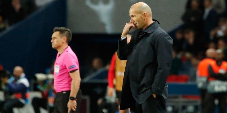 Zidane zor durumda