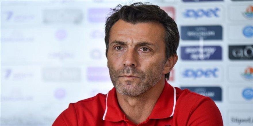 Antalyaspor Teknik Direktörü Bülent Korkmaz: VAR sistemindeki hakem hata yapamaz
