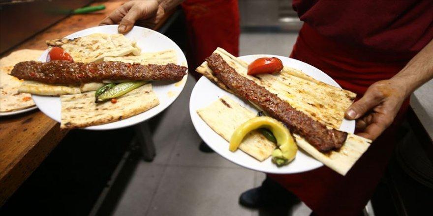 Adana '222 metrelik şişte et pişirme' rekoruna hazırlanıyor