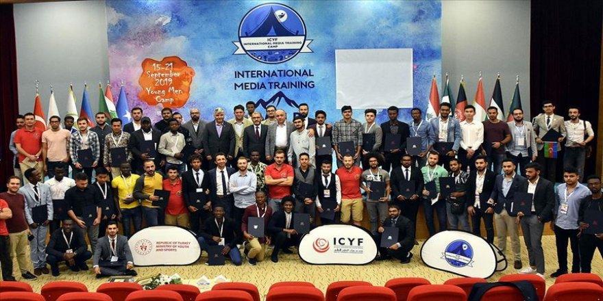 Medya Kapasite Geliştirme Eğitimi Kampı'ında sertifika heyecanı