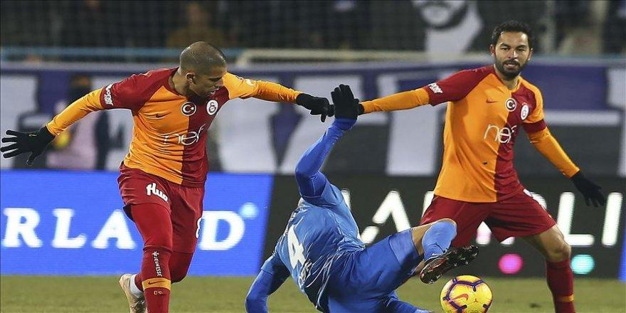 Galatasaray'da Selçuk ve Feghouli Malatya'ya götürülmedi