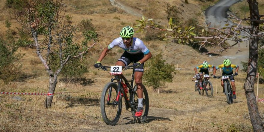 Hakkari'de Uluslararası Dağ Bisikleti Kupası heyecanı
