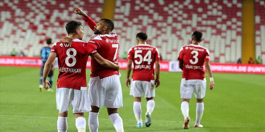 Sivasspor Trabzonspor'u uzatmalarda geçti