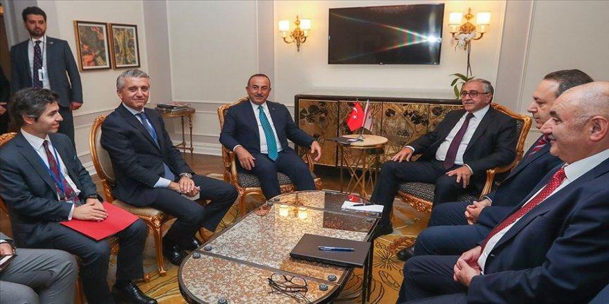 Çavuşoğlu KKTC Cumhurbaşkanı Akıncı ile görüştü