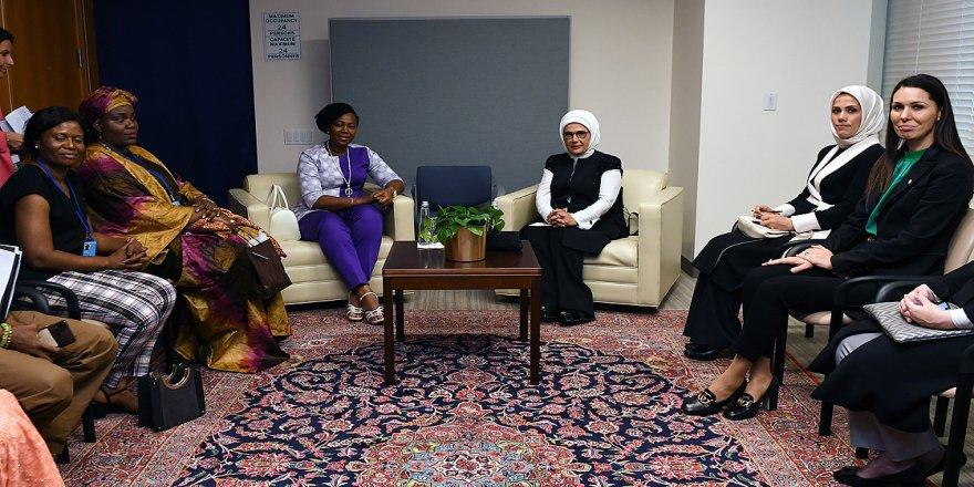 Emine Erdoğan, Fatima Maada Bio ile görüştü