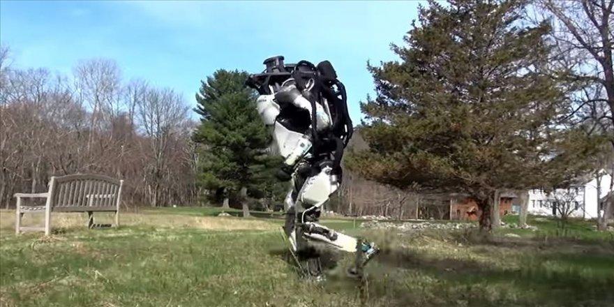 En dinamik insansı robot' yeni özellikleriyle daha çevik