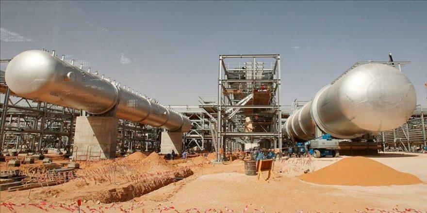 Suudi Arabistan enerjide yeniden iç talebi karşılayacak seviyeye yaklaştı