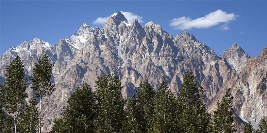 Hindikuş ve Himalayalardaki buzulların yarısından fazlası eriyebilir
