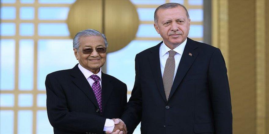 Malezyalı gazeteci ve akademisyenler Türkiye-Malezya-Pakistan görüşmesinden memnun