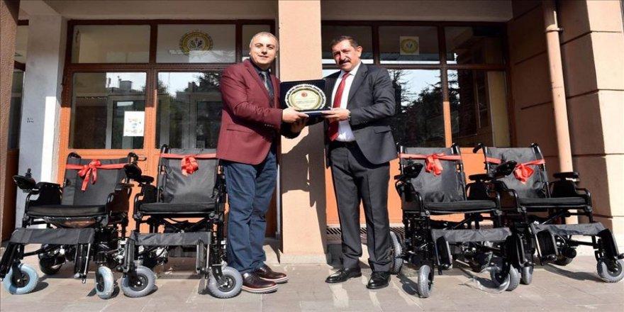 Atık toplama kampanyasına akülü sandalye ödülü