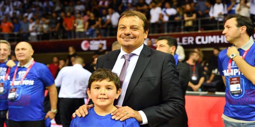 Anadolu Efes'in başantrenörü Ergin Ataman: Sezona geçen yıl olduğu gibi kupayla başlıyoruz