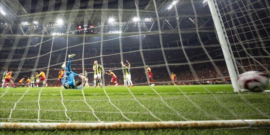 Galatasaray sezonun ilk derbisini kazanma peşinde