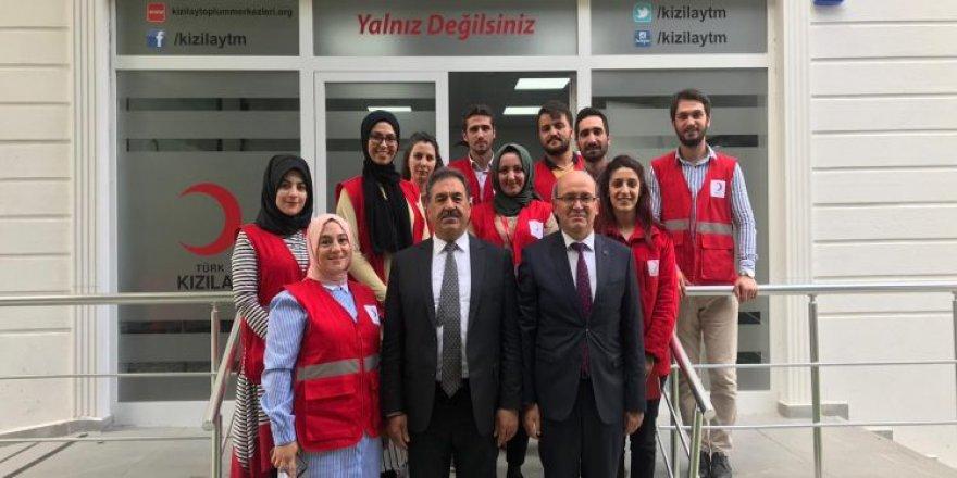 Güler'den Kızılay Toplum Merkezine ziyaret